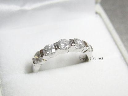 約10万円で買ったトータル1.0カラットのプラチナダイヤモンドリング