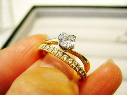 ダイヤモンドだけ先に買って、リングは二人で一緒に選べる婚約指輪