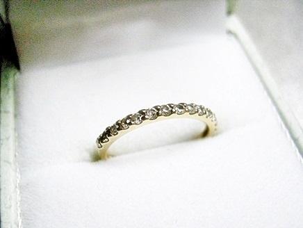 ダイヤモンドエタニティのピンキーリング