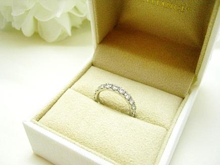 マリッジリング向けフルエタニティダイヤモンドリングおすすめは、
