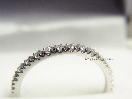 BRILLIANCE+のダイヤモンドハーフエタニティマリッジを評価しています