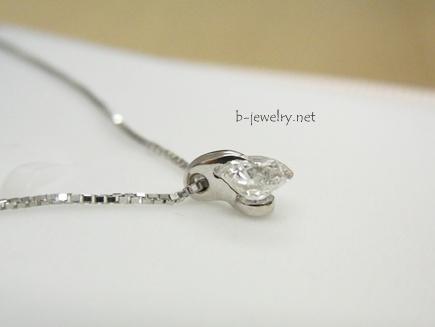 綺麗なひと粒ダイヤモンドプチペンダント
