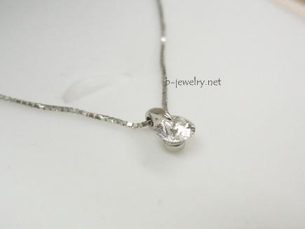 ワンポイントスタイルデザインのダイヤモンドネックレス