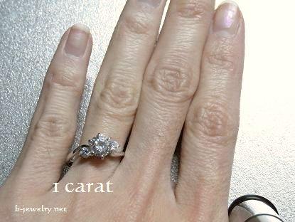 1.0カラットダイヤモンドリングの大きさ写真