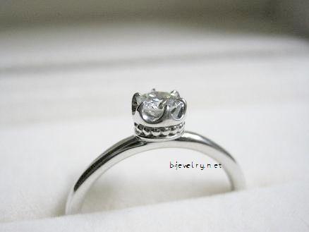 カワイイデザインのダイヤモンド婚約指輪