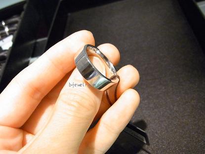 太め幅広のプラチナ結婚指輪(マリッジリング)