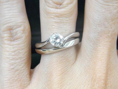 S字ウェーブライン結婚指輪とウェーブラインマリッジ(ロンド)の重ね付け