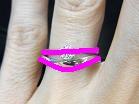 ソリティアタイプの婚約指輪とウェーブラインマリッジリングユニールの重ね付けライン