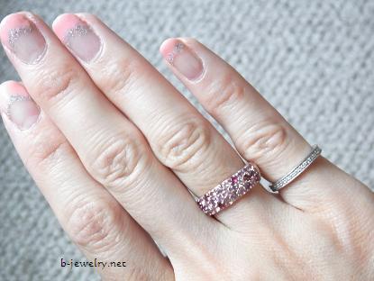 桜パヴェリングレビュー・ピンクダイヤついてます
