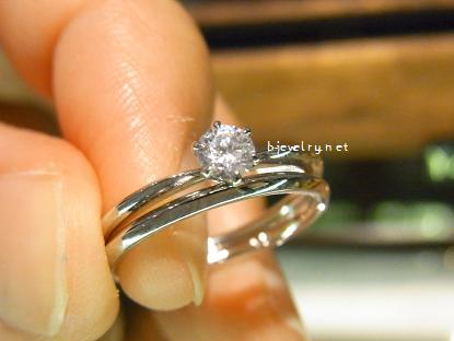 ダイヤモンド婚約指輪と結婚指輪のセットリング一例(重ねづけ)